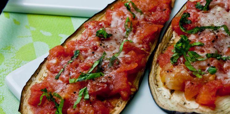 Aubergines grillées à la tomate