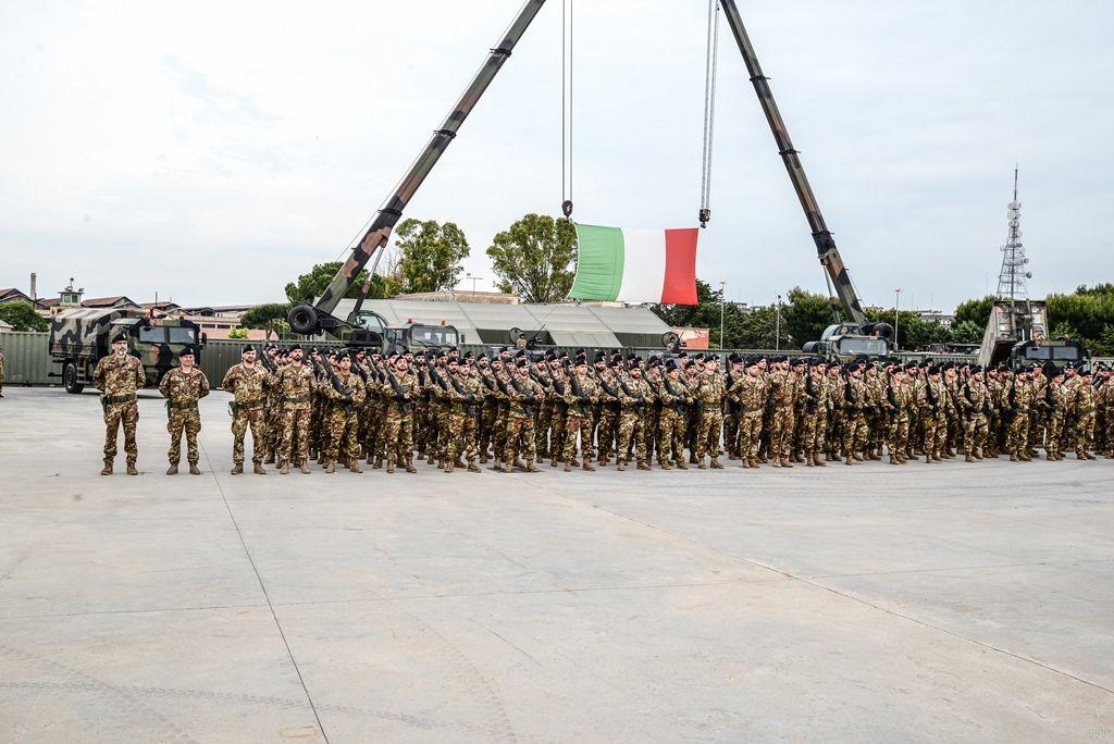 """Bari:la Brigata""""Pinerolo""""in partenza per l'Afghanistan"""