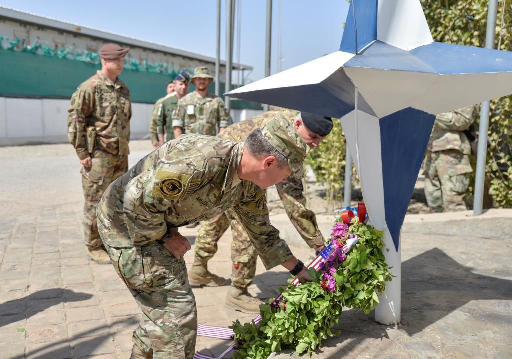 Afghanistan:il Generale Miller Comandante di Resolute Support in visita ai militari italiani