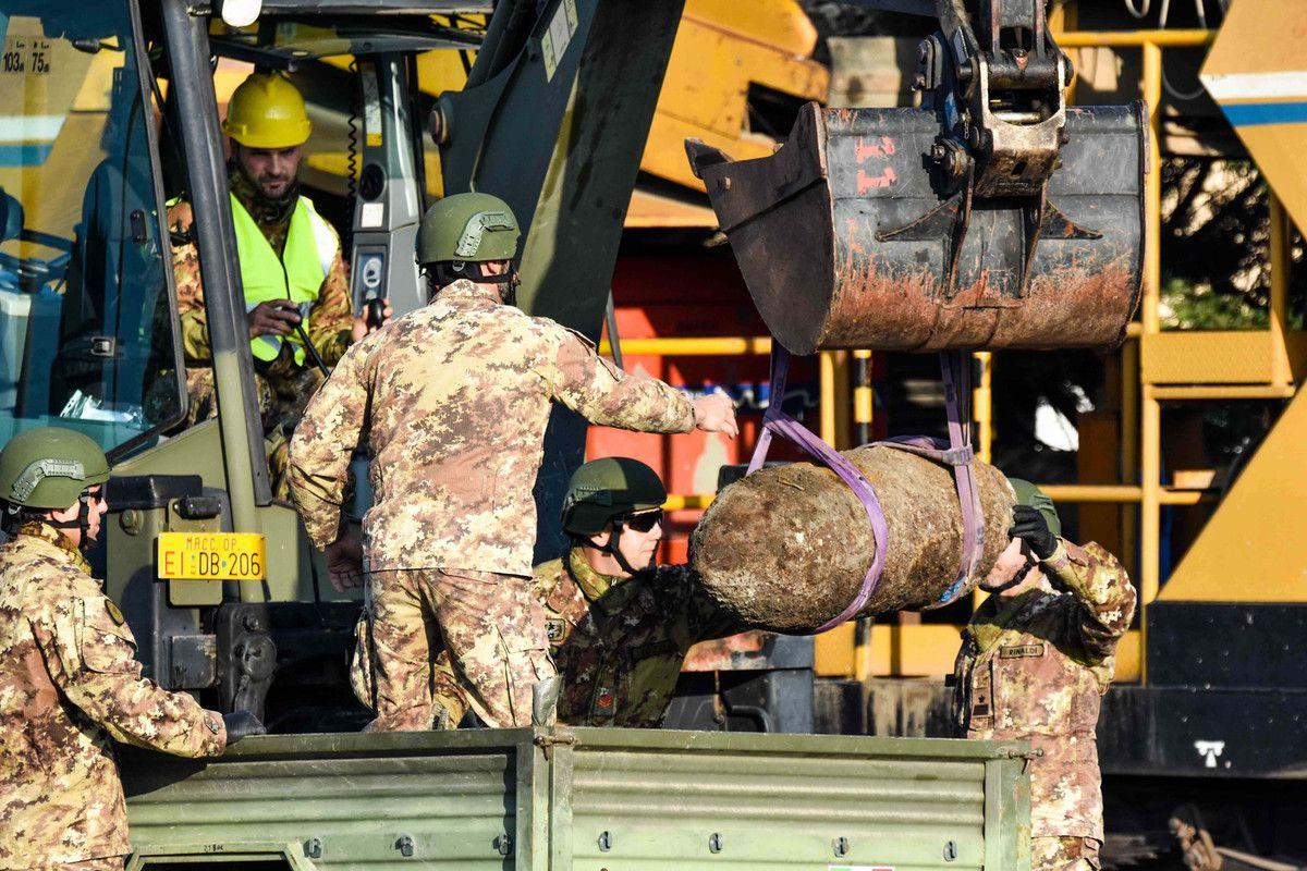 Foggia:Artificieri dell'11°Genio Guastatori di Foggia disinnescano ordigno da 250 kg