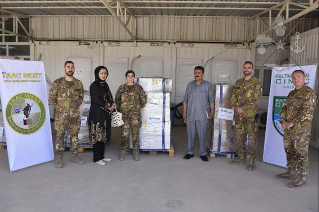 Afghanistan:militari italiani donano medicinali all'Ospedale Civile di Herat