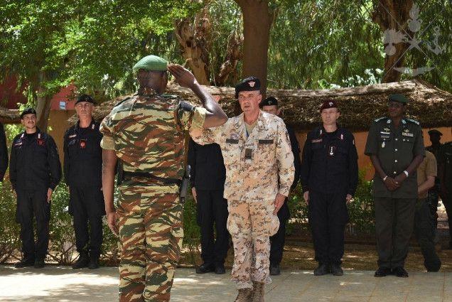 Niger:parà della Folgore in missione addestrano  militari nigerini