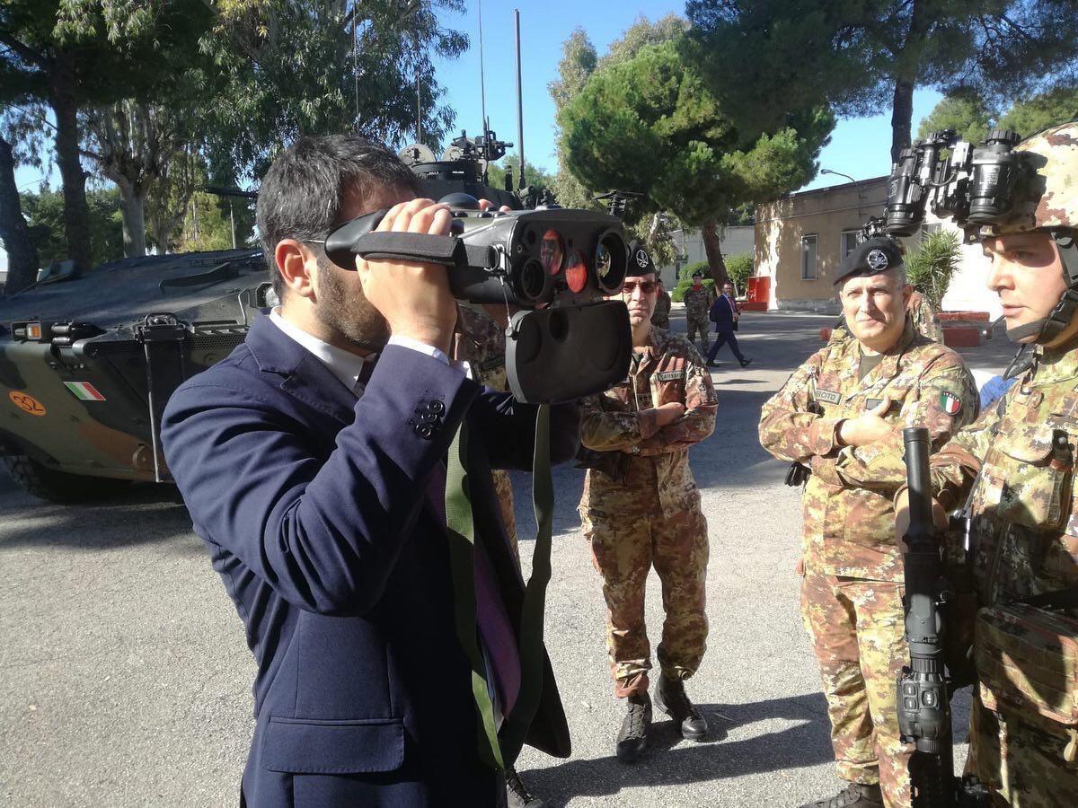 """Bari:Sottosegretario Tofalo in visita ai reparti territoriali""""fattore di coesione tra popolazione e Forze Armate"""""""