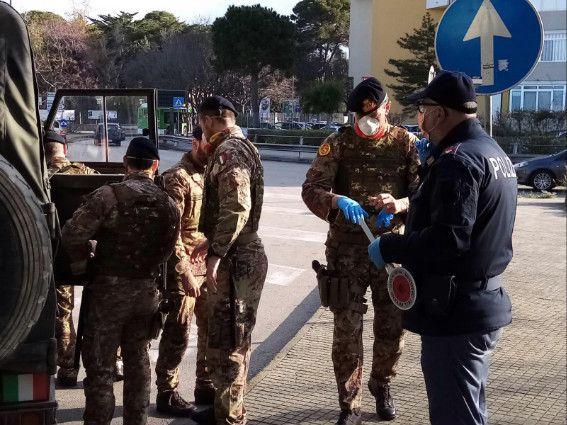 Brindisi:i Fucilieri della Brigata S.Marco in azione nel contrasto al coronavirus