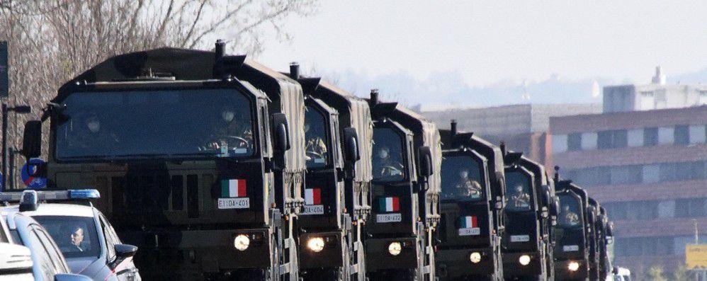 """Bergamo:la lettera del caporal maggiore che trasportò le vittime del coronavirus""""é come se ti togliessero una parte di cuore"""""""