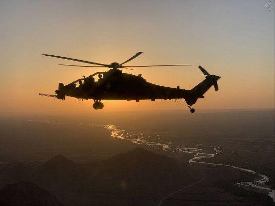 Afghanistan:i Mangusta del contingente italiano raggiungono traguardo delle 13.500 ore di volo