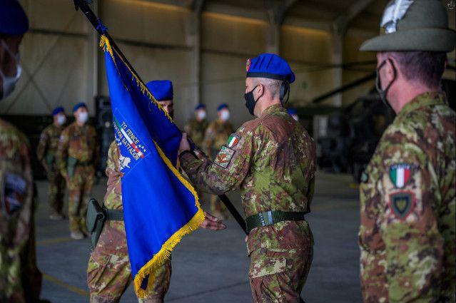 """Afghanistan:passaggio di consegne alla Fenice: il colonnello Tonon ai militari:""""Sono fiero di voi, avete rappresentato al meglio l'Italia"""""""