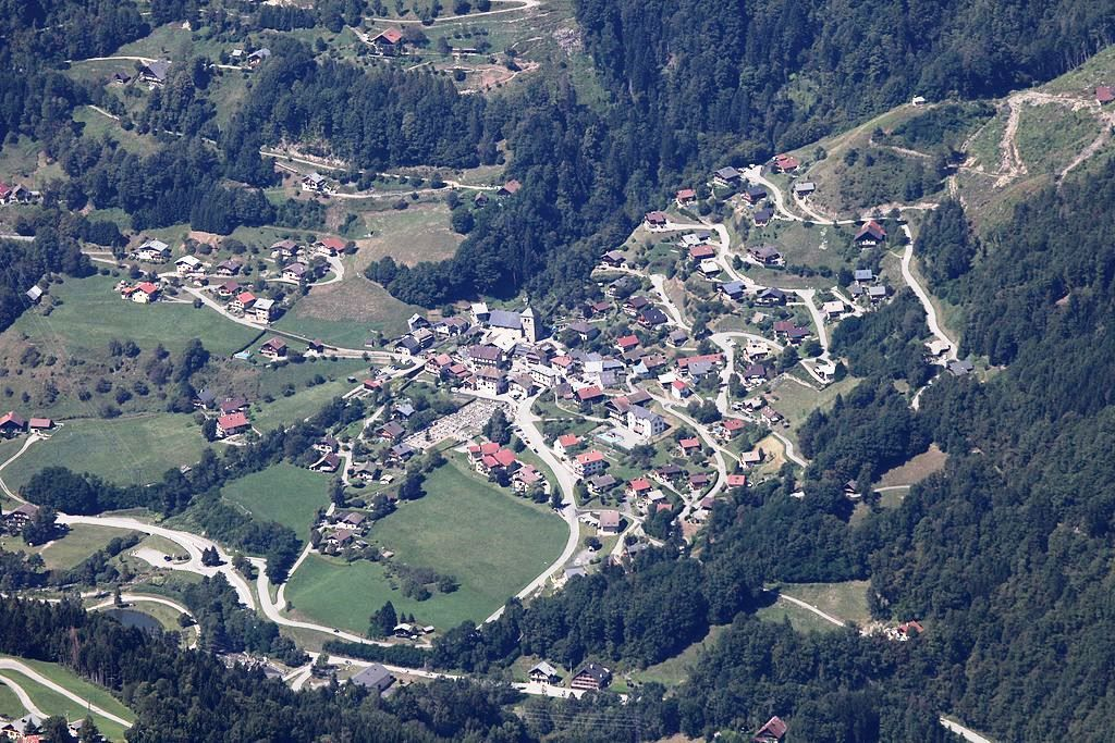 Village de Queige vue du ciel Sources Wikipédia