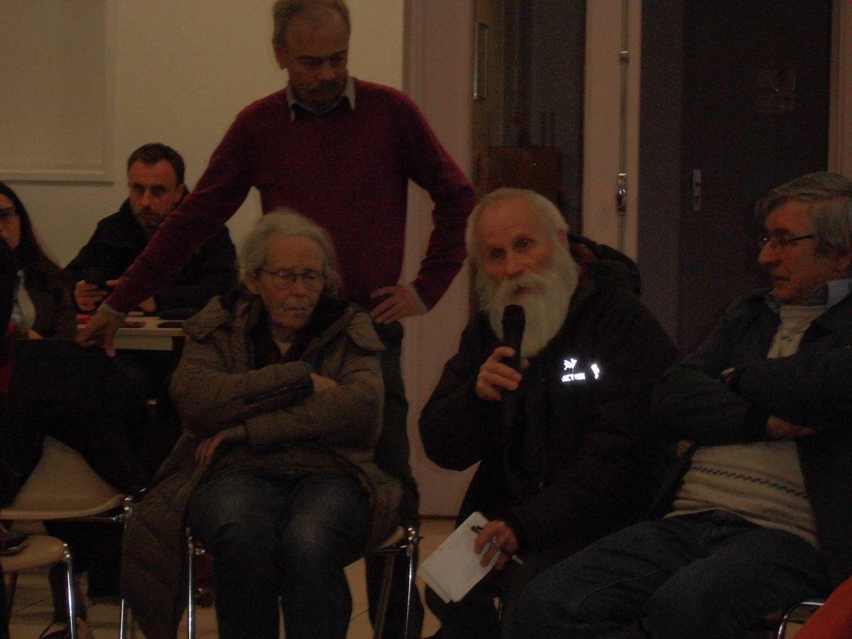 Projet de carrière à Brueil-en-Vexin: débat passionné et écoute mutuelle à Mantes-la-Jolie