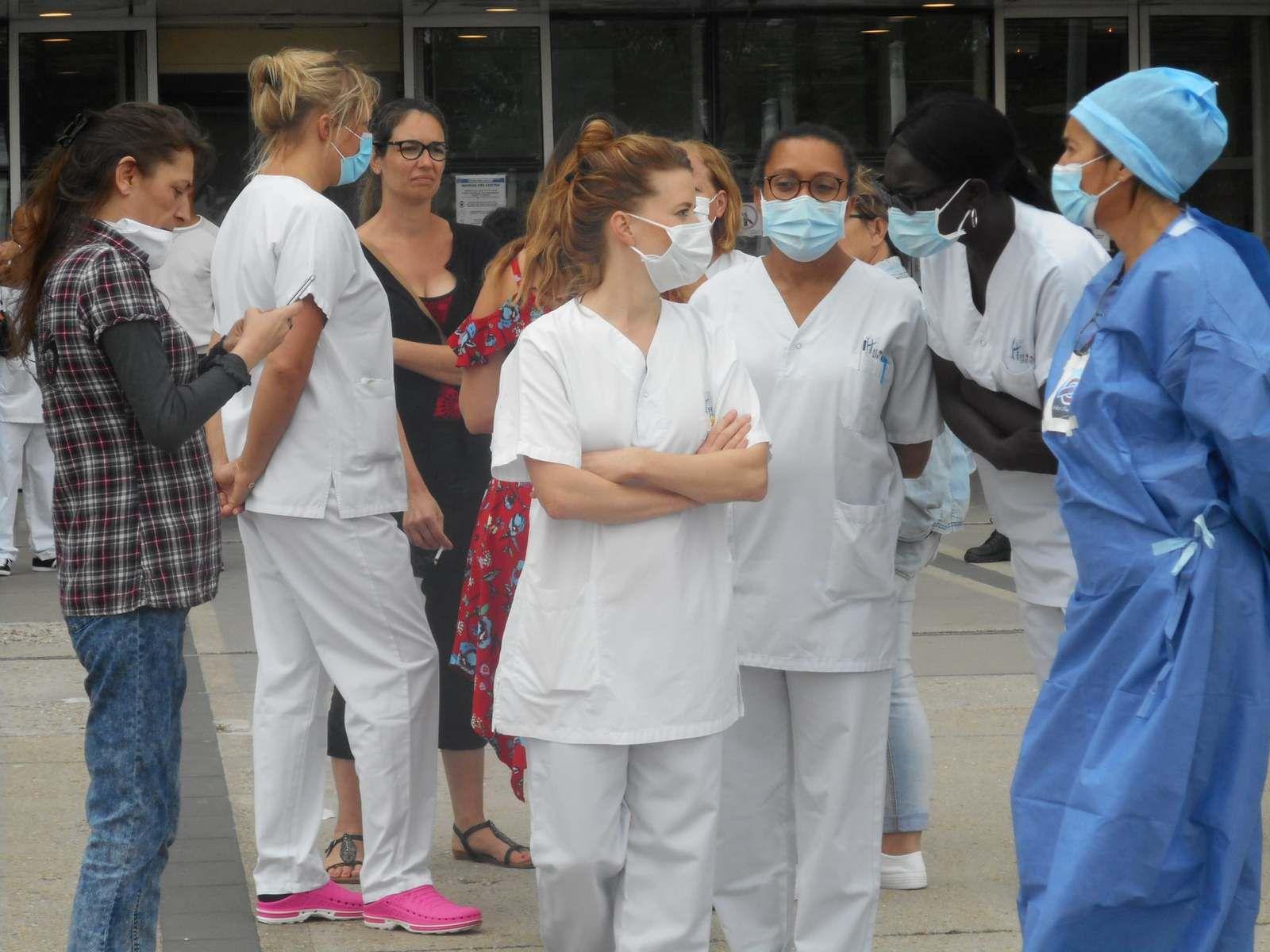 30 juin dernier. Nouveau rassemblement sur le Parvis de notre hôpital