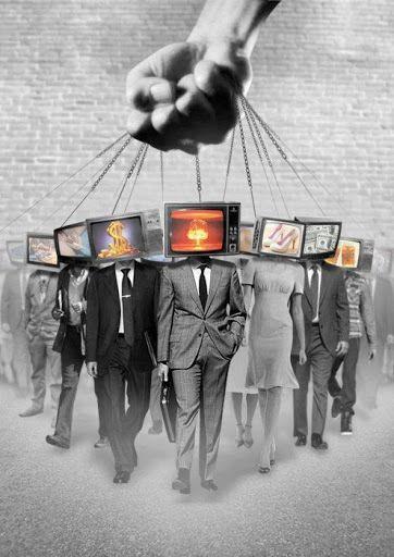 La transmisión del pensamiento dominante (55)