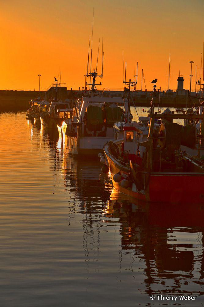 Balade sur le port au soleil couchant