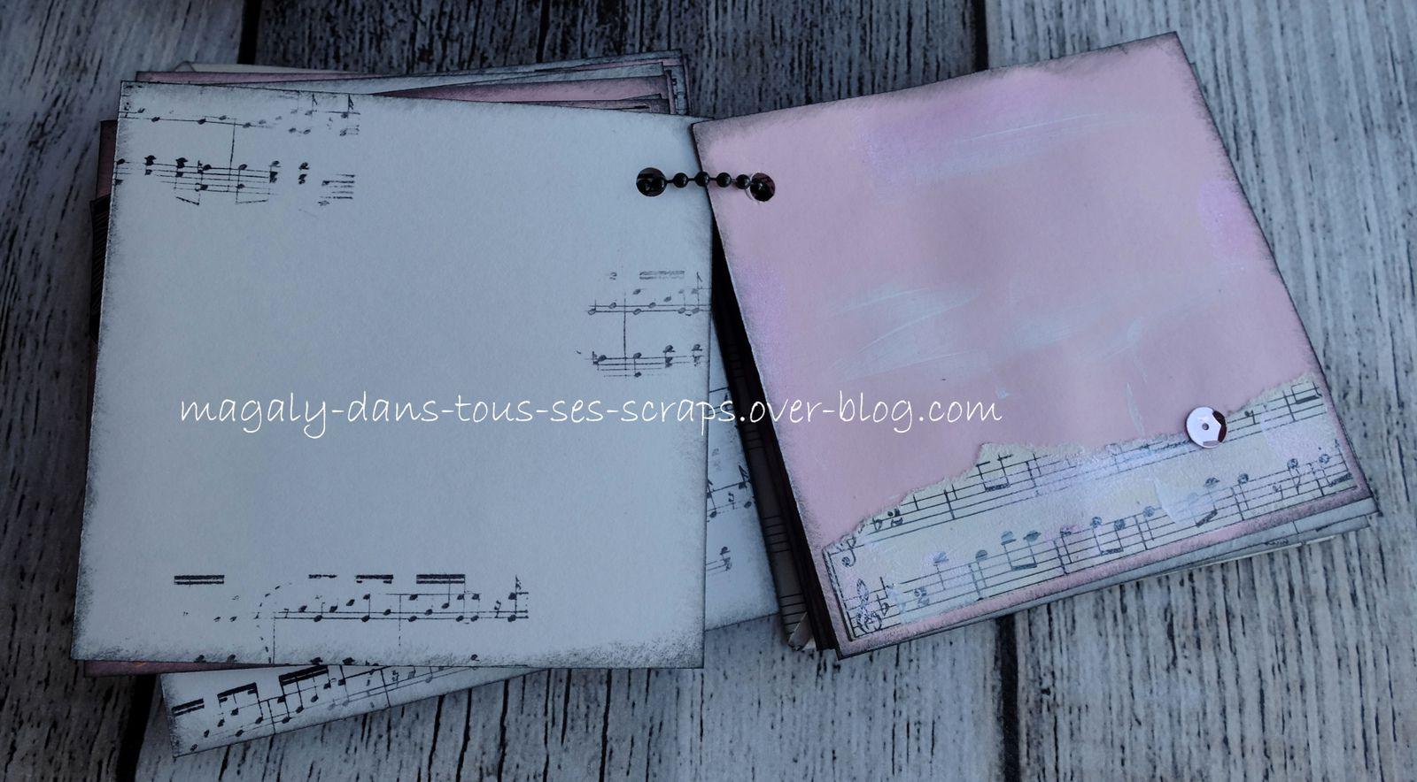 Mini-album {musique} et sa boîte