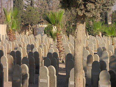 Le cimetière militaire de Dmeir, en Syrie.
