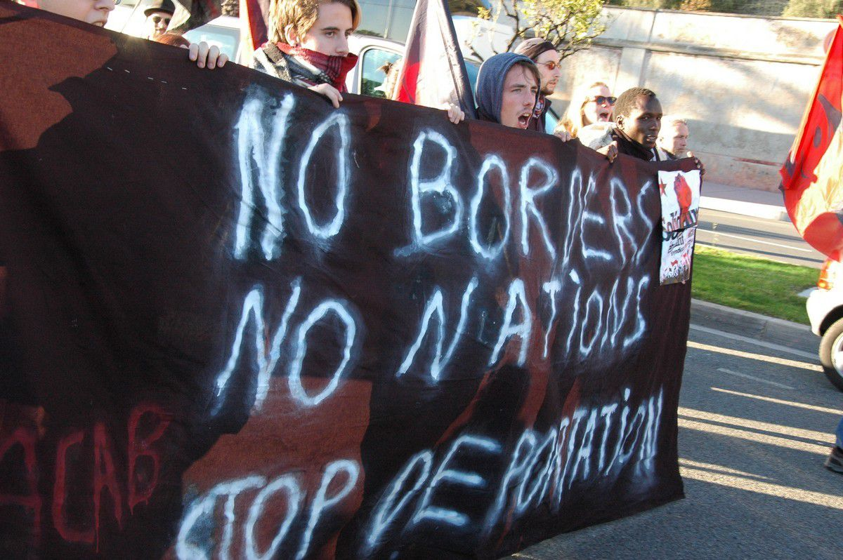 Non borders, no nations, stop deportation