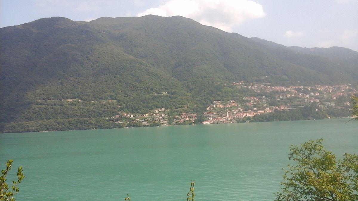 Bienvenue pour un tour des lacs italiens.
