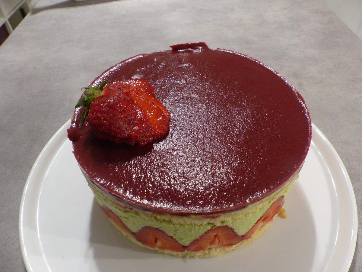 Dessert de saison : fraisier pistache
