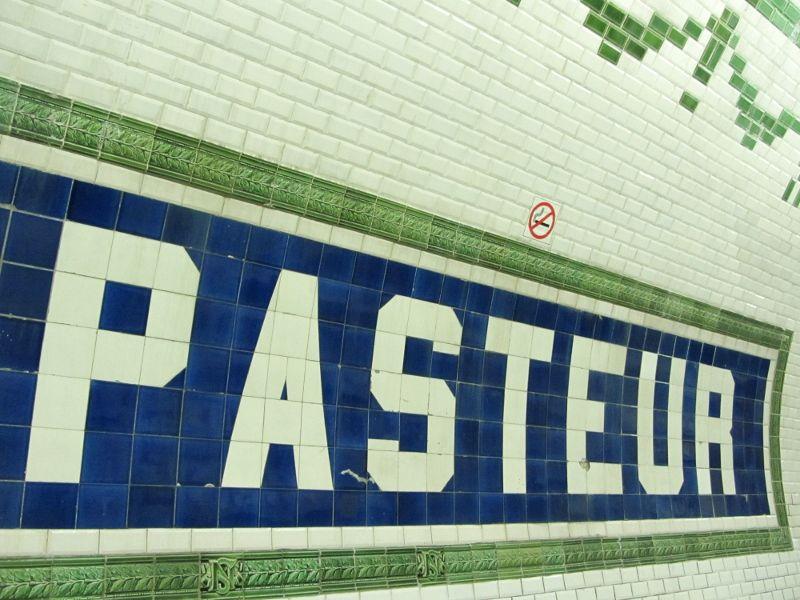 51 Métro Pasteur