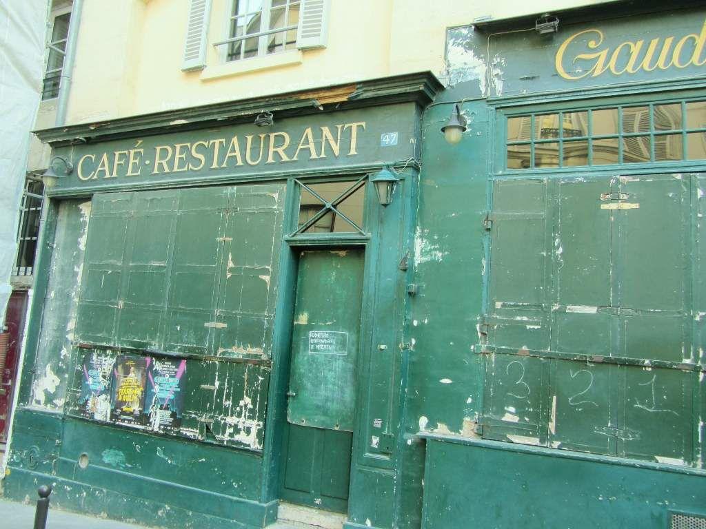 Rue montagne sainte Geneviève 5eme