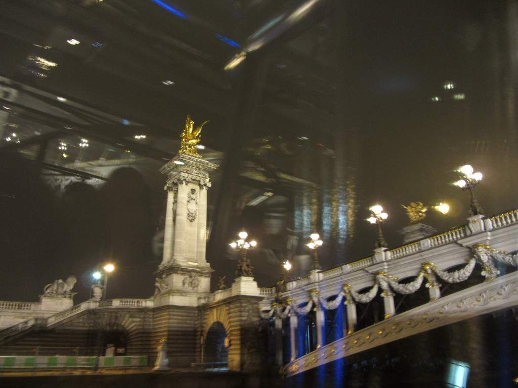 Bateaux mouches by night