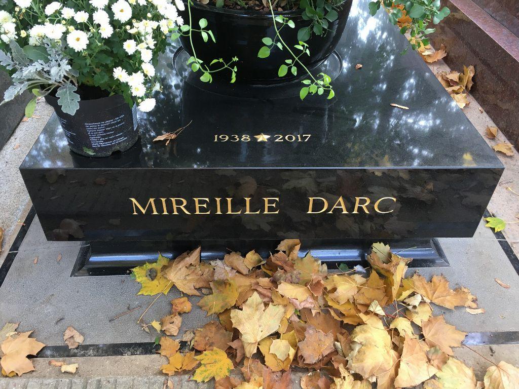 Sépulture Mireille d'Arc - Cimetière Montparnasse 14eme
