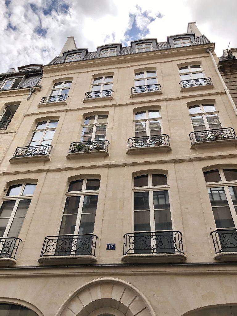 Rue Sainte Croix de la Bretonnerie 4eme