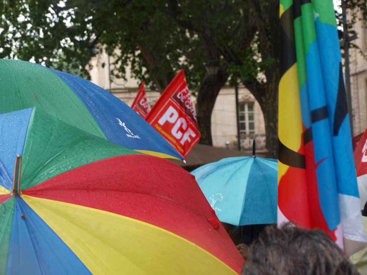 1500 personnes malgré la pluie à Avignon ce 1er mai