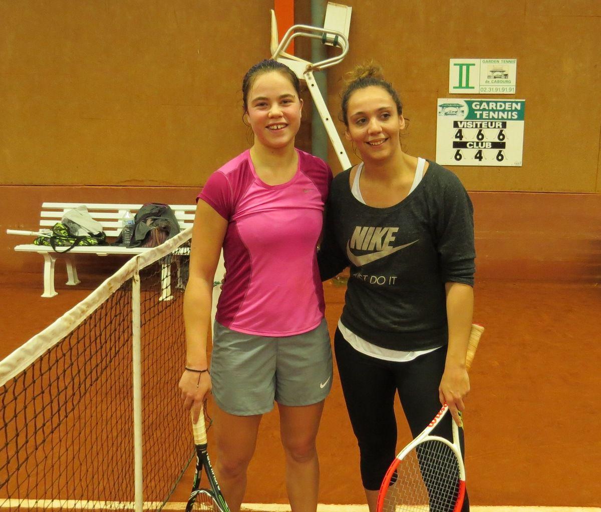 Vainqueur : Lou Bonet de Freitas 4/6 (CaenTC) à gauche - Finaliste : Charlotte Villeminot 2/6 (Mondeville)