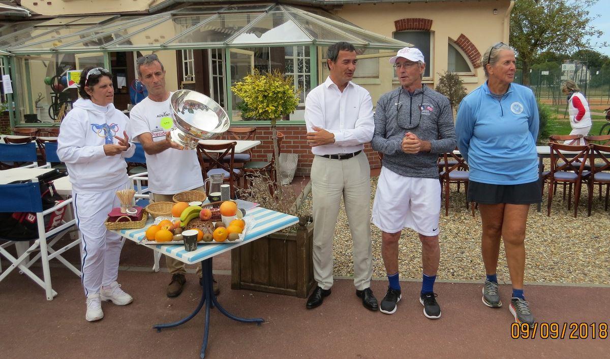 Thierry Pham, Président de l'ITCF (International Tennis Club de France), Bruno Renoult et leurs homologues américains.
