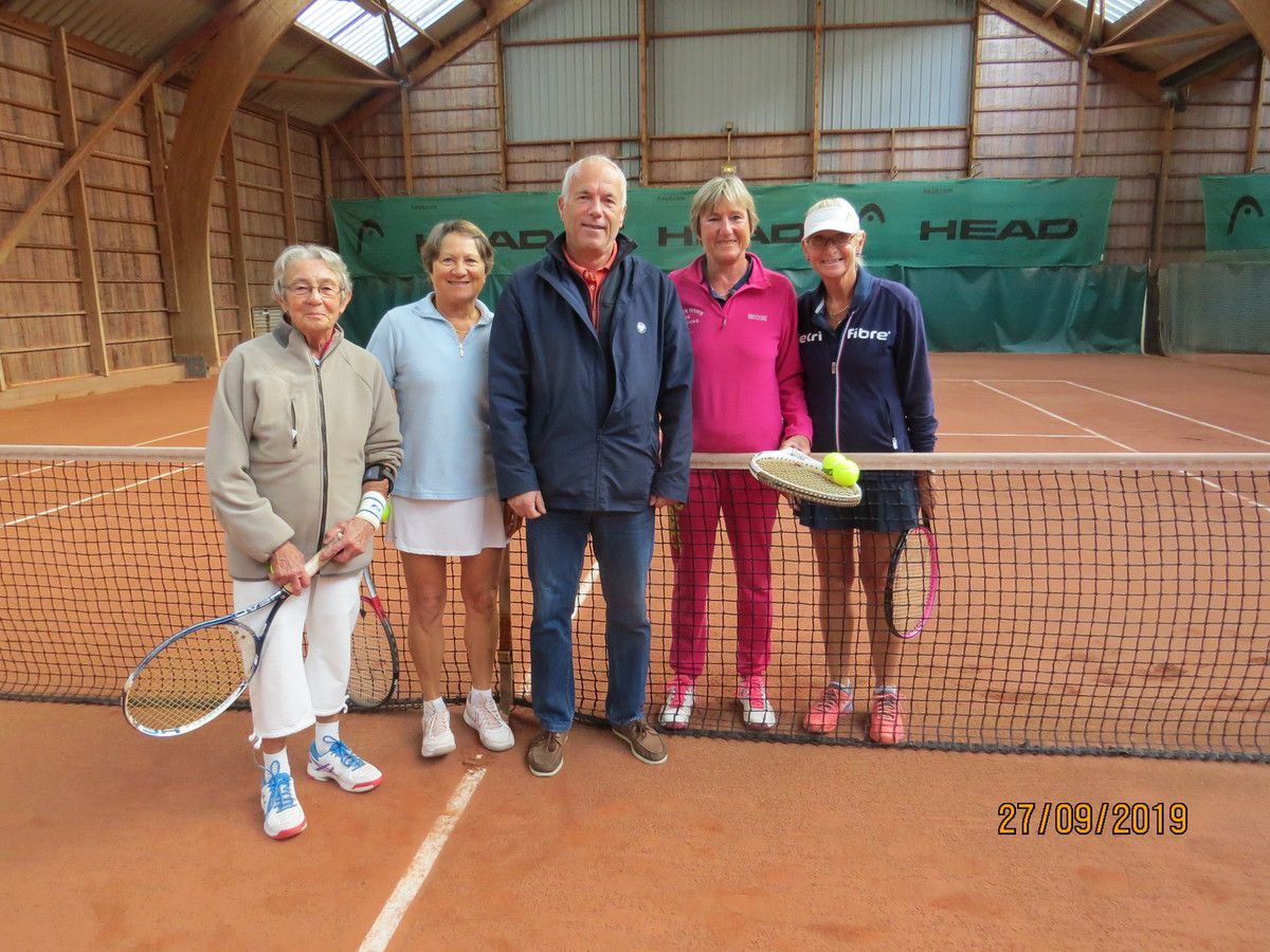 Double Dames : Christiane Collet/Nadine Lebouteiller - victoire : 6/1 6/2