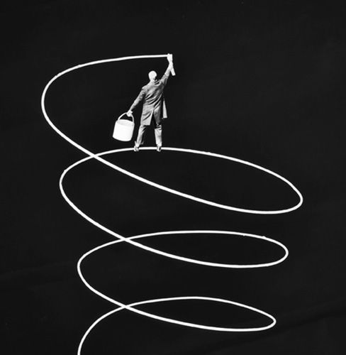 Upwards - Gilbert Garcin (1929-2020)