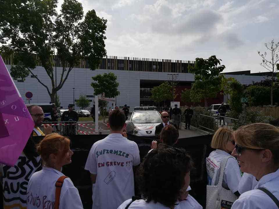 Mobilisation lors de la visite de la Ministre de la Santé à Caen