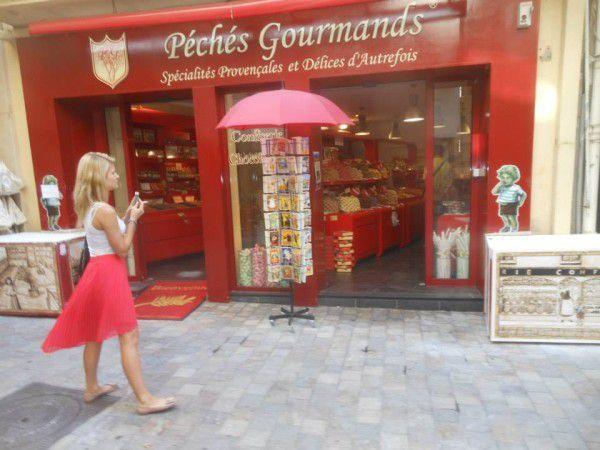 Cannes. Rue Meynadier. Août 2013. © Jean-Louis Crimon