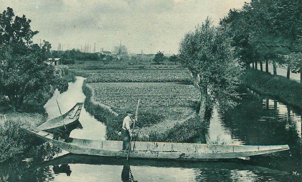Amiens. Les Hortillons. Edition des Nouvelles Galeries. © DR