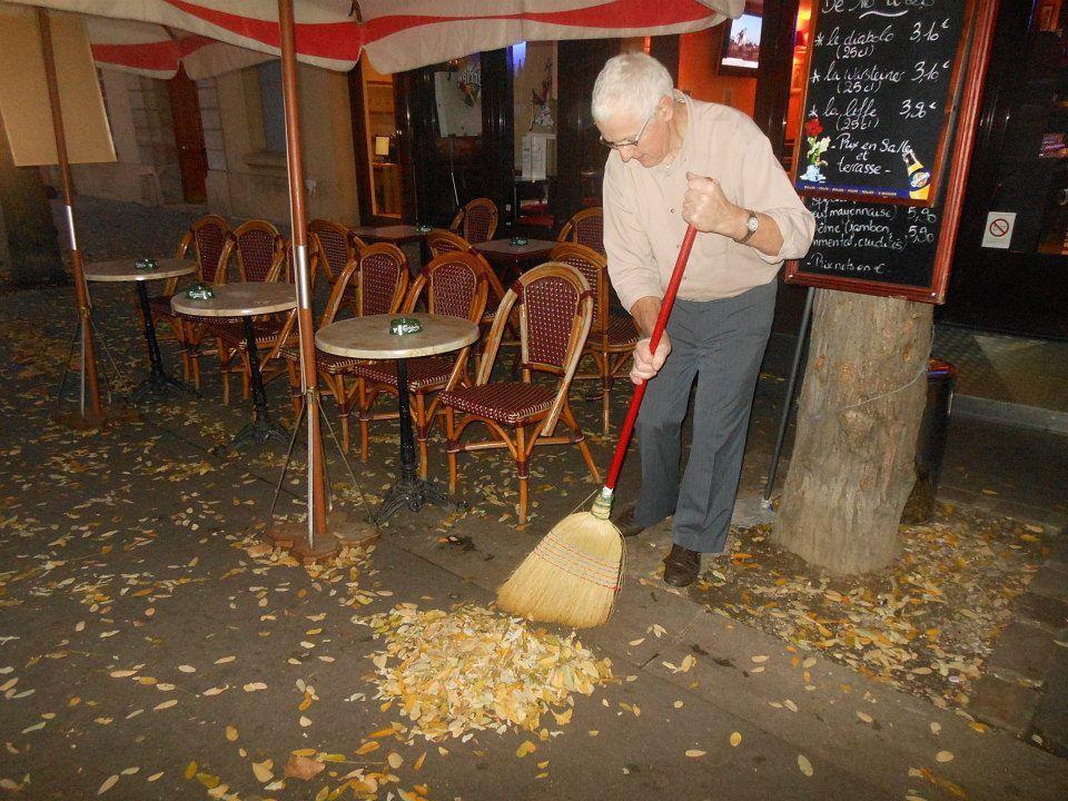Paris. Avenue Théophile Gautier.  27 nov 2012. © Jean-Louis Crimon