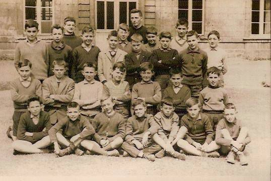 Classe de 6ème 2 de l'Abbé Guisembert. Année scolaire 1960-61. © DR.