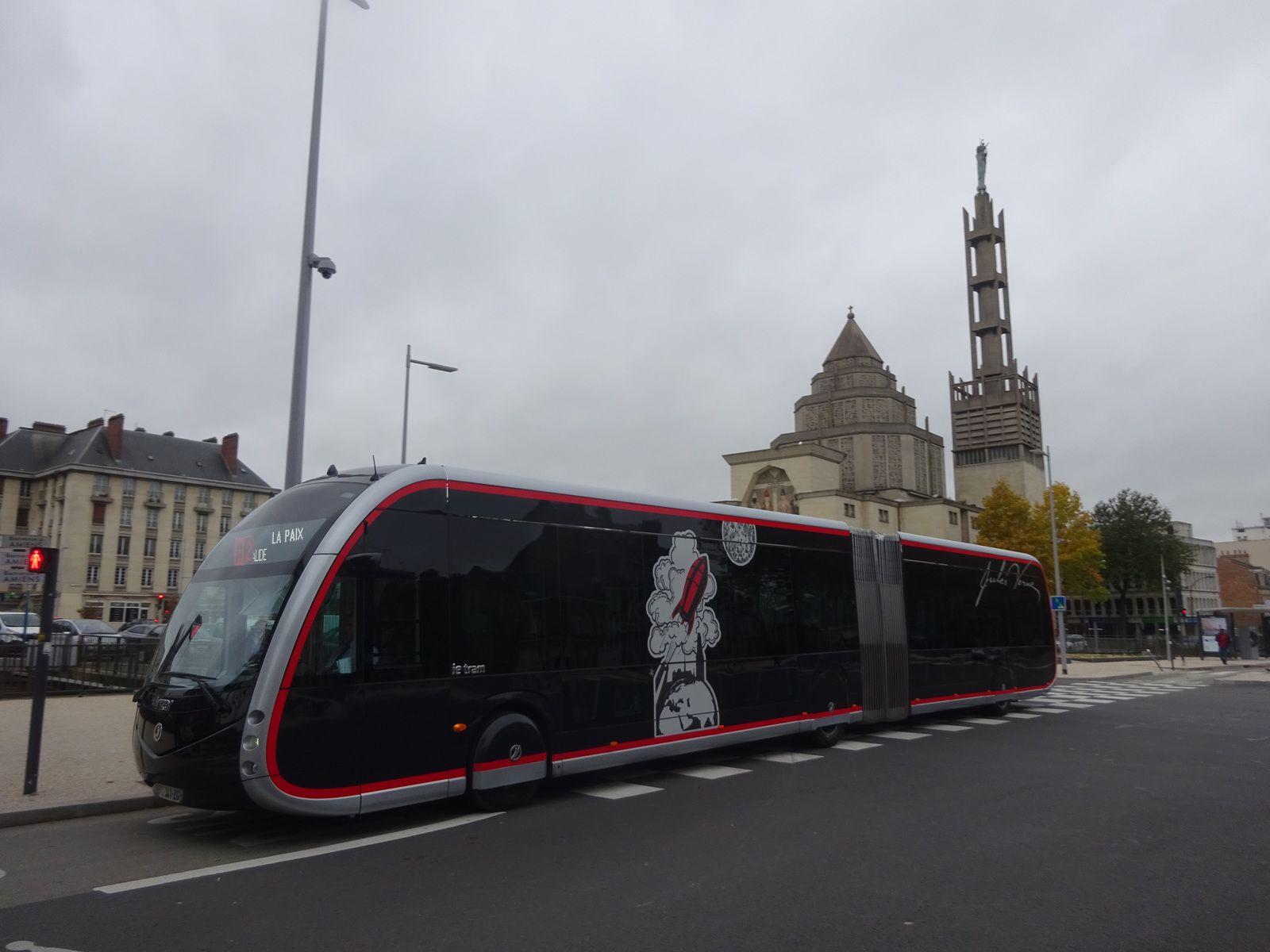 Amiens. Boulevard Maignan Larivière. Nov. 2019. © Jean-Louis Crimon