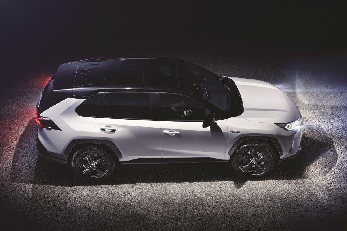 Automobile : Les premières photos du modèle Toyota RAV4 (2019)