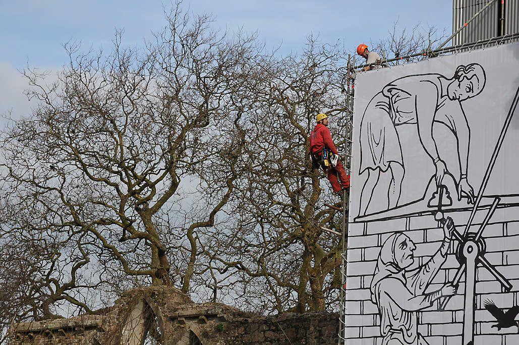 camouflage des travaux sur monument historique