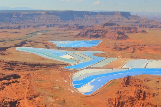 Bassins de minerai en plein désert - Utah