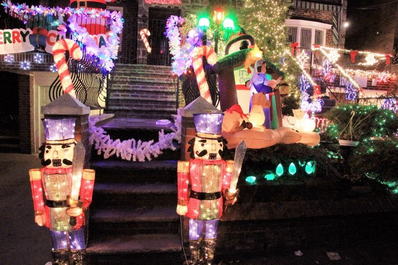 Dyker Heightz Christmas Lights / Illuminations des maisons particuliers : les ROUGES New York partie 3