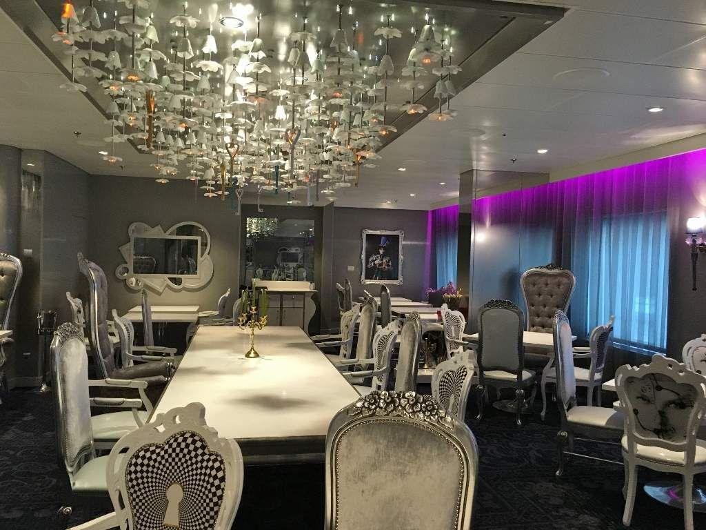 55 Ovation Les restaurants