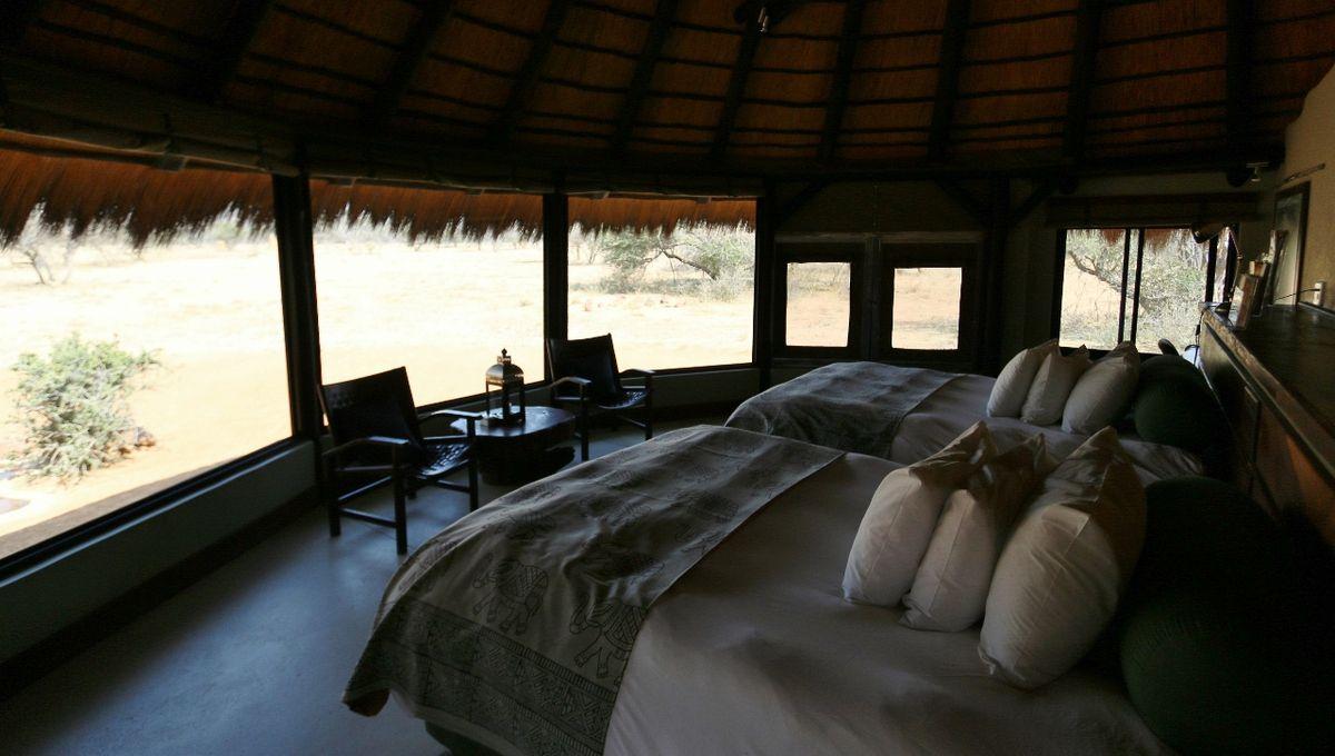 Bungalow luxe OKONJIMA bush camp Namibie