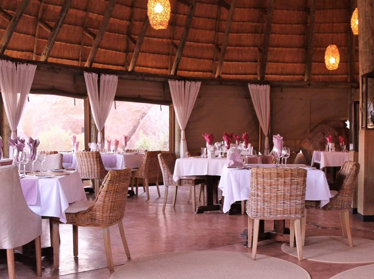 Mowani mountain camp Namibie