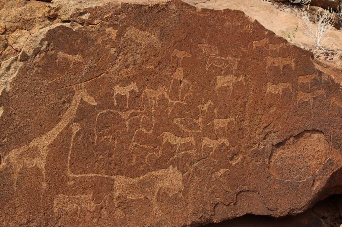 Twifelfontein et ses pétroglyphes en Namibie
