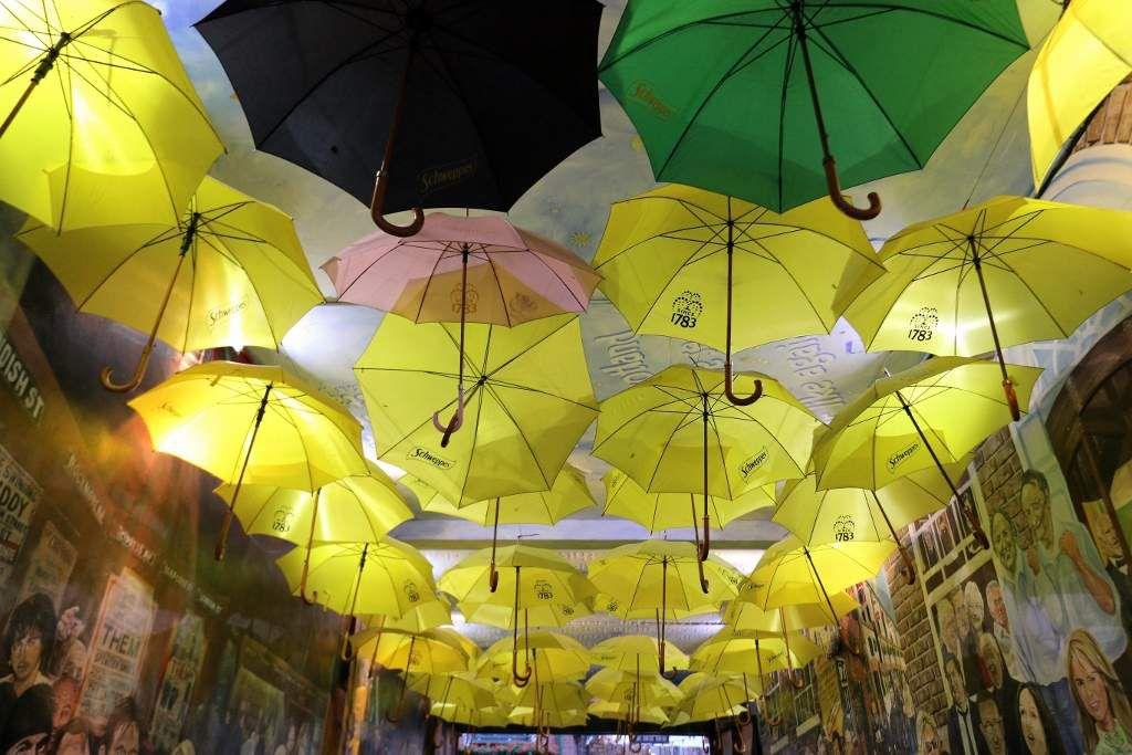 Belfast les parapluies  Irlande du Nord