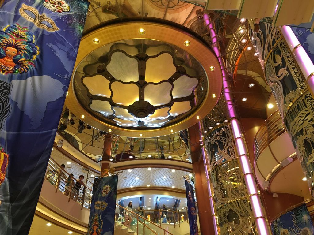23 Diamond princess atrium et art