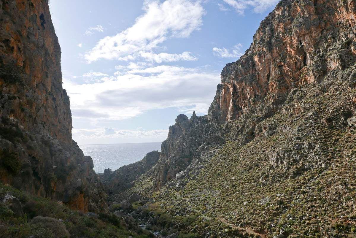 Canyon de Perivolakia, approche et L1 de la voie Gérard Lambert.