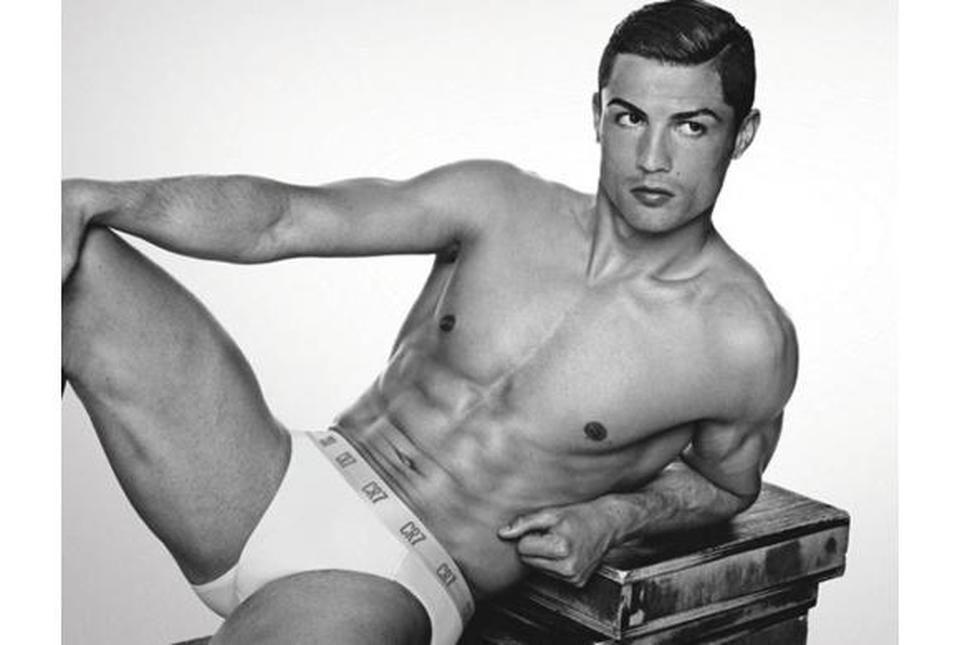 Il pacco di Cristiano Ronaldo e la fabbrica della pubblicità