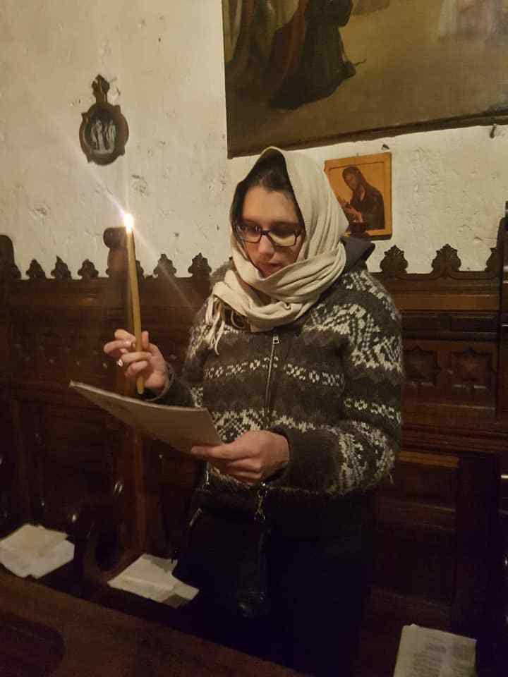 Souvenirs de la Veillée pascale en cette année 2019.  LE CHRIST EST RESSUSCITÉ, ALLELUIA ! HEUREUSE PÂQUE À VOUS TOUS ! Merci pour vos prières, vous êtes dans mes prières et celles des membres et familiers du Monastère.